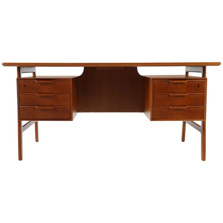 teak writing desk Alibabacom offers 142 teak writing desk products about 57% of these are office desks, 57% are wood tables, and 16% are other home furniture a wide variety of teak writing desk options are available to you, such as wooden, metal you can also choose from office furniture, living room furniture, and other home furniture.