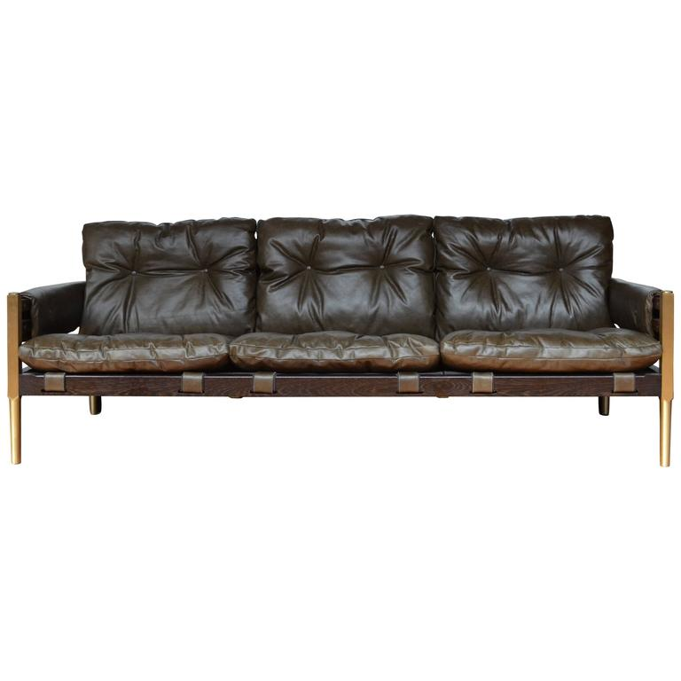 Brazilian Mid-Century Modern Inspired Campanha Sofa in Leather