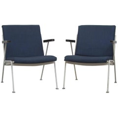 Pair of Ahrend de Cirkel Oase Lounge Chairs by Wim Rietveld