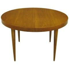 Sleek Modern Walnut Dining Table in the Style of T.H. Robsjohn-Gibbings