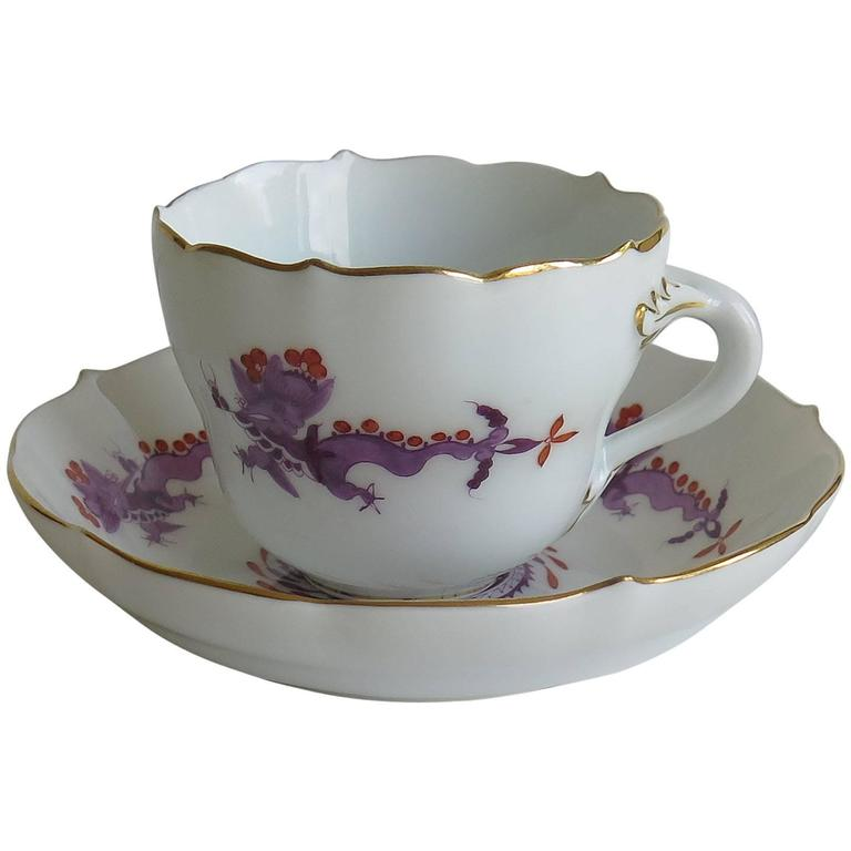 Meissen Porcelain Demitasse Cup and Saucer Chinese Dragon Pattern, circa 1928 For Sale