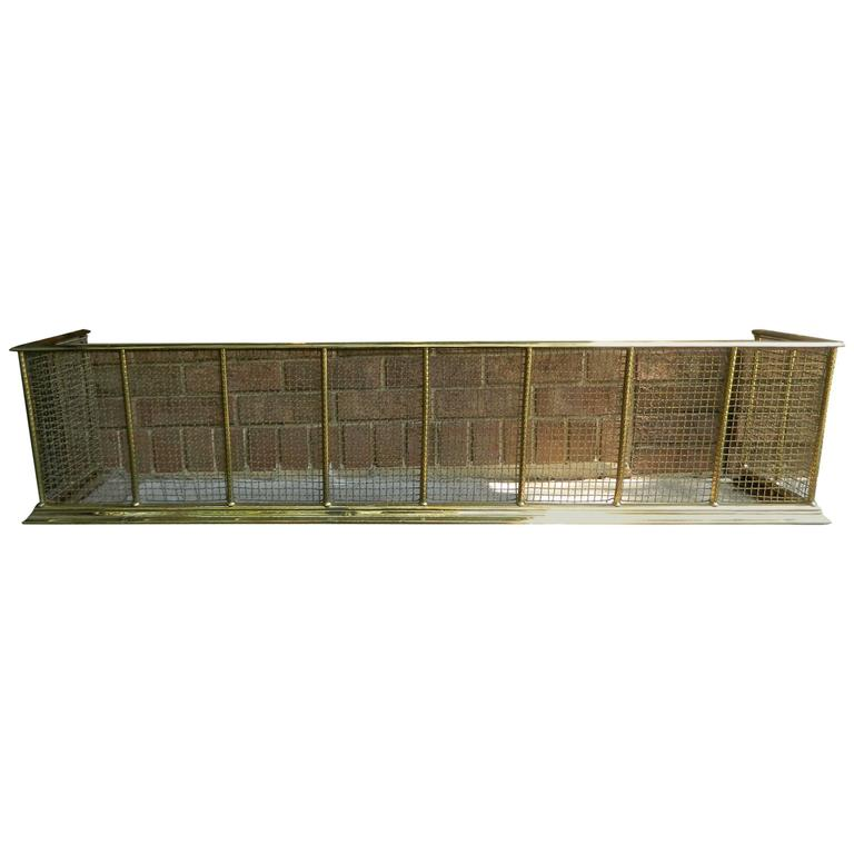 English Polished Brass and Mesh Fireplace Fender, 19th Century For Sale