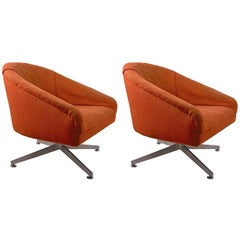 Pair of Swivel Chairs Designed by Ward Bennet for Lehigh Leopold