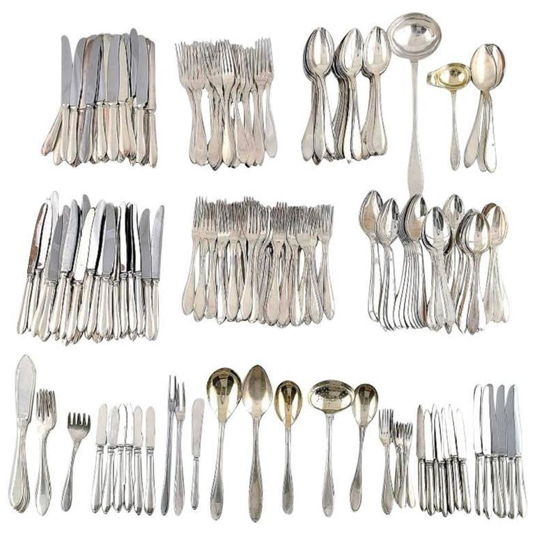 Large and Complete 24 Persons Flatware Service in Plated Silver circa 1930-1940s For Sale