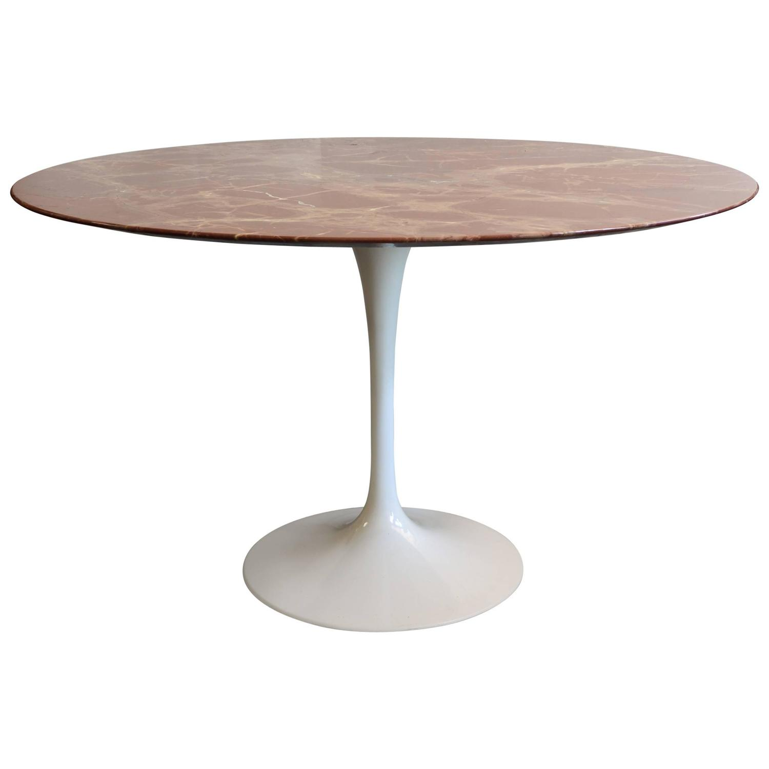 Saarinen rose marble tulip dining table at 1stdibs for Tulip dining table