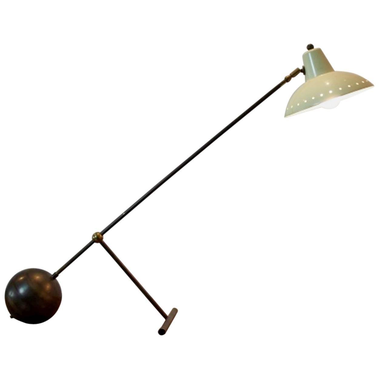Rare Stilnovo Modernist Brass Table or Desk Light attributed to Stilnovo