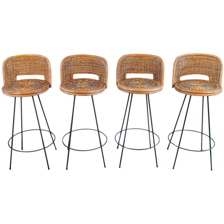 Exceptionnel Set Of Four Vintage Rattan Bar Stools For Sale