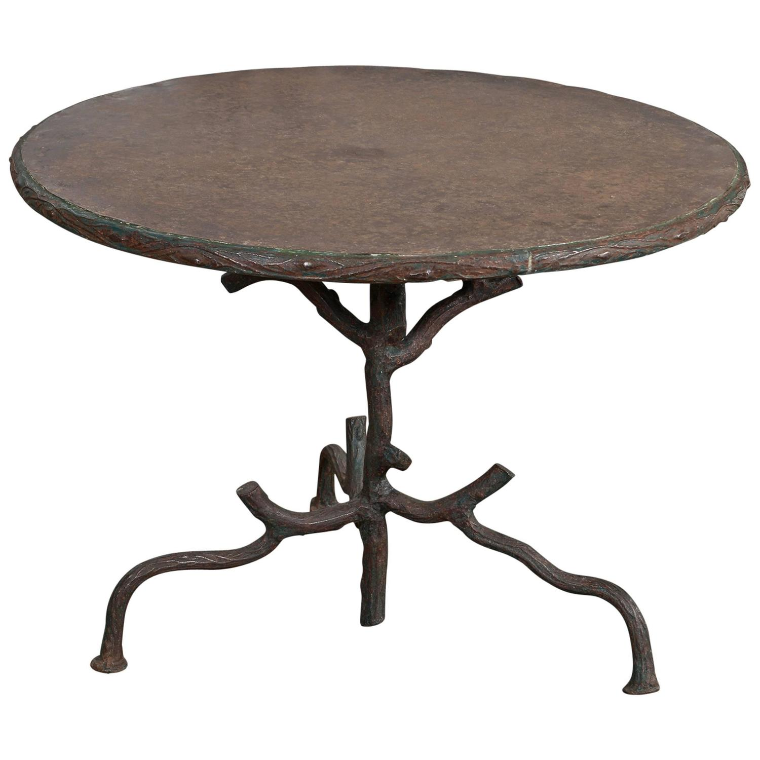 Faux bois iron table at 1stdibs Table jardin imitation bois