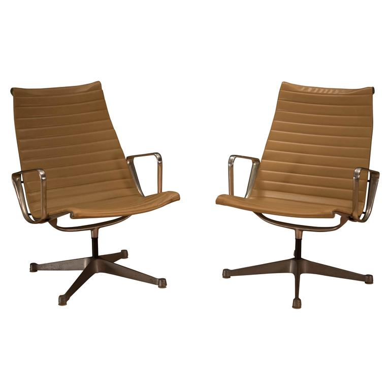 Pair Of Eames Aluminum Group Chairs For Sale At 1stdibs