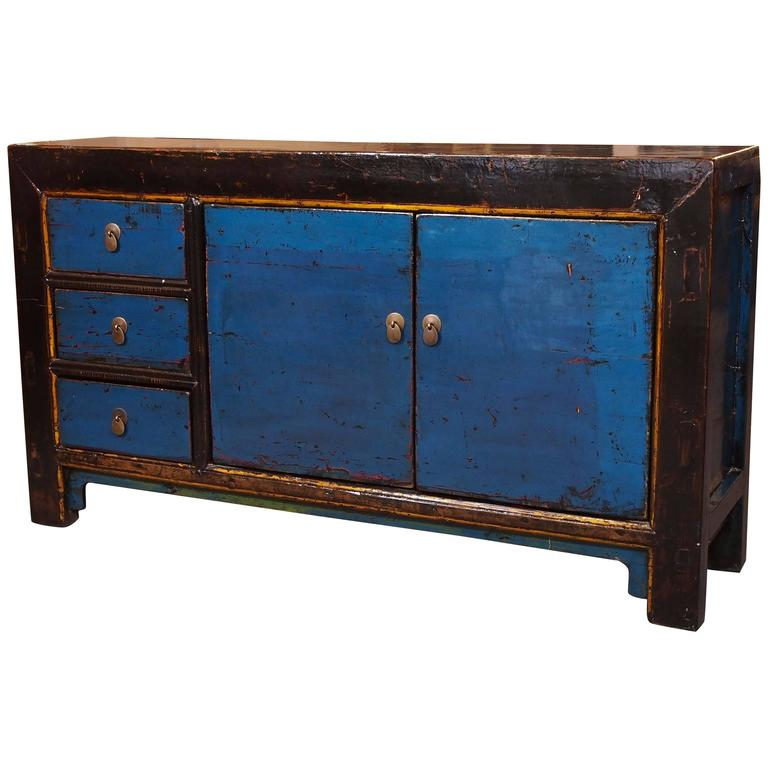Old chinese cabinet in blue lacquer with elements of black for Old asian furniture