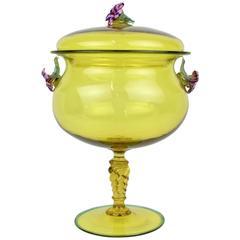Große kanariengelbe Bowle mit Deckel aus Muranoglas mit Kreuzblumen-Dekor