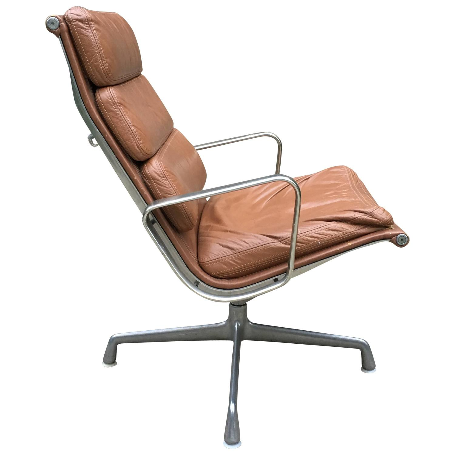 Original eames chair - Herman Miller Eames Aluminum Group Soft Pad Lounge Chair
