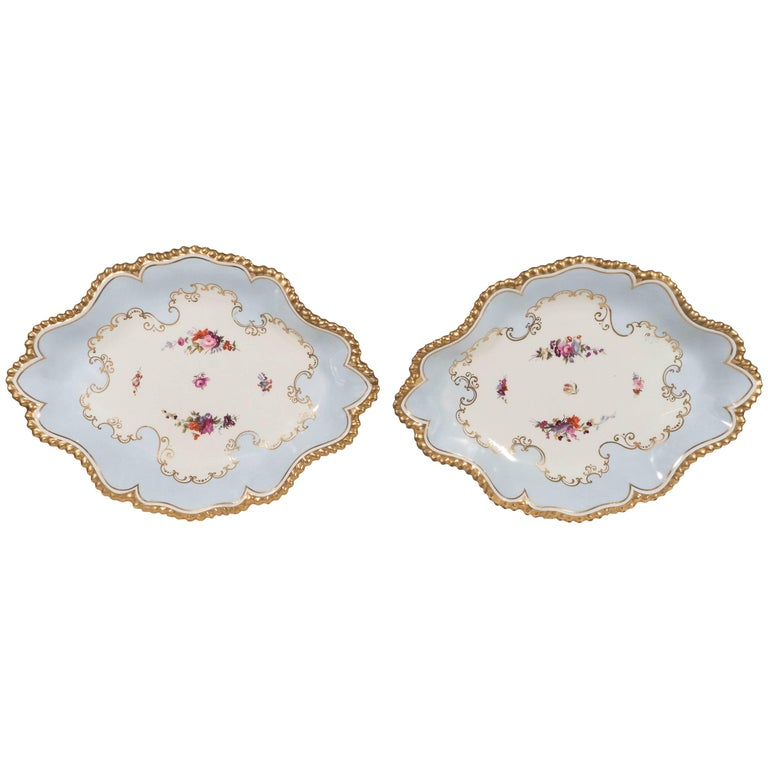 Pair Antique Worcester Porcelain Dishes Made in England circa 1820 For Sale