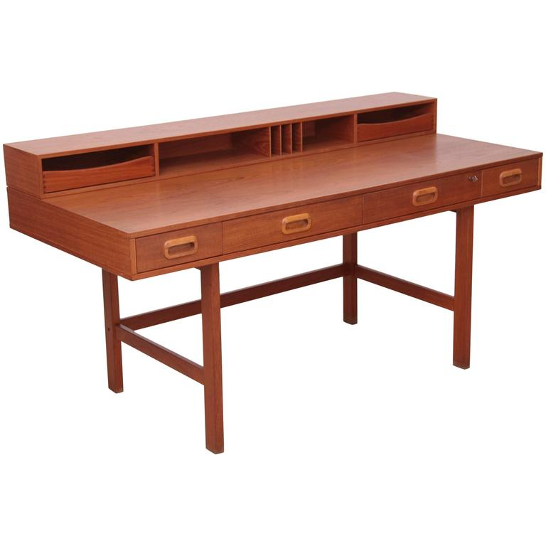 Danish Modern Flip-Top Desk in Teak by Peter Løvig Nielsen for Løvig, 1970s - Danish Modern Flip-Top Desk In Teak By Peter Løvig Nielsen For Løvig