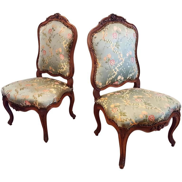 Fine Pair French Carved Walnut Rococo Chairs, Nogaret, silk brocade lampas