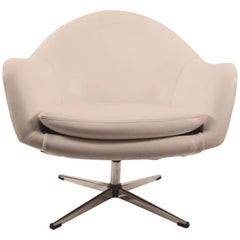 White Vinyl Swivel Pod Chair by Overman