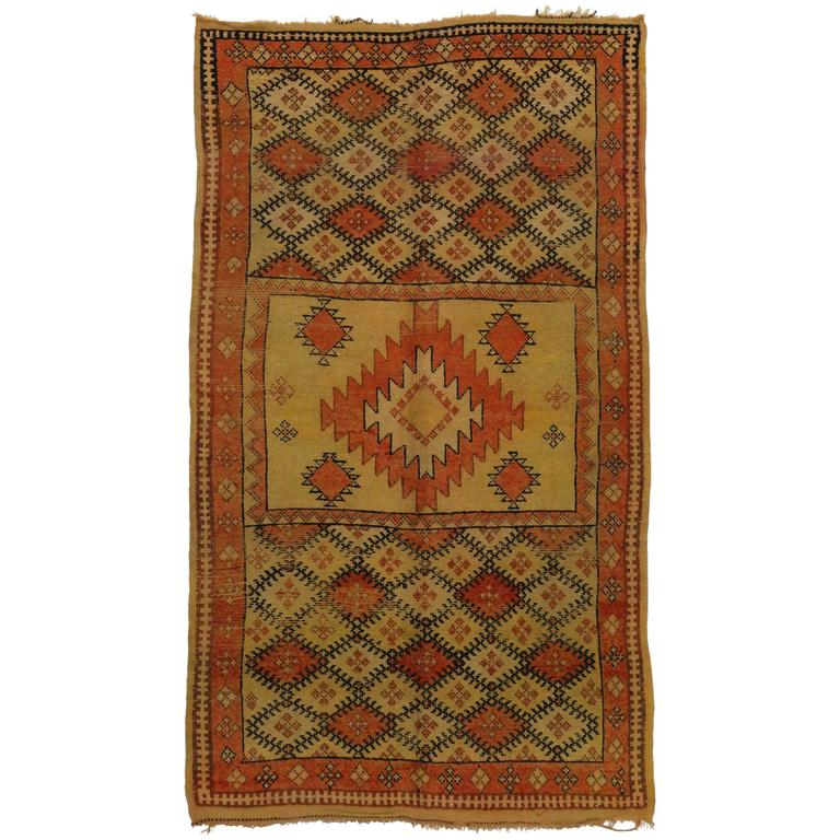 Berber Moroccan Rug With Tribal Design And Modern Style At