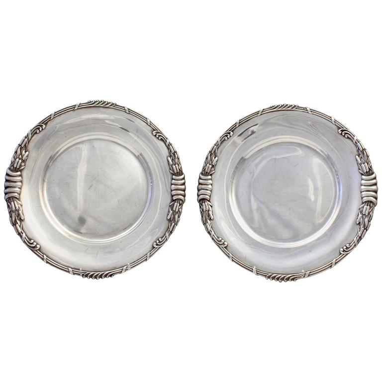 Pair of Dutch Art Nouveau Sterling Silver Platters with Cattails by Ph Saakes For Sale