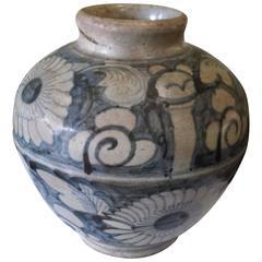 """Chinese Zhangzhou """"Swatow"""" Storage Jar/Gun Powder Jar, Late Ming or Early Qing"""