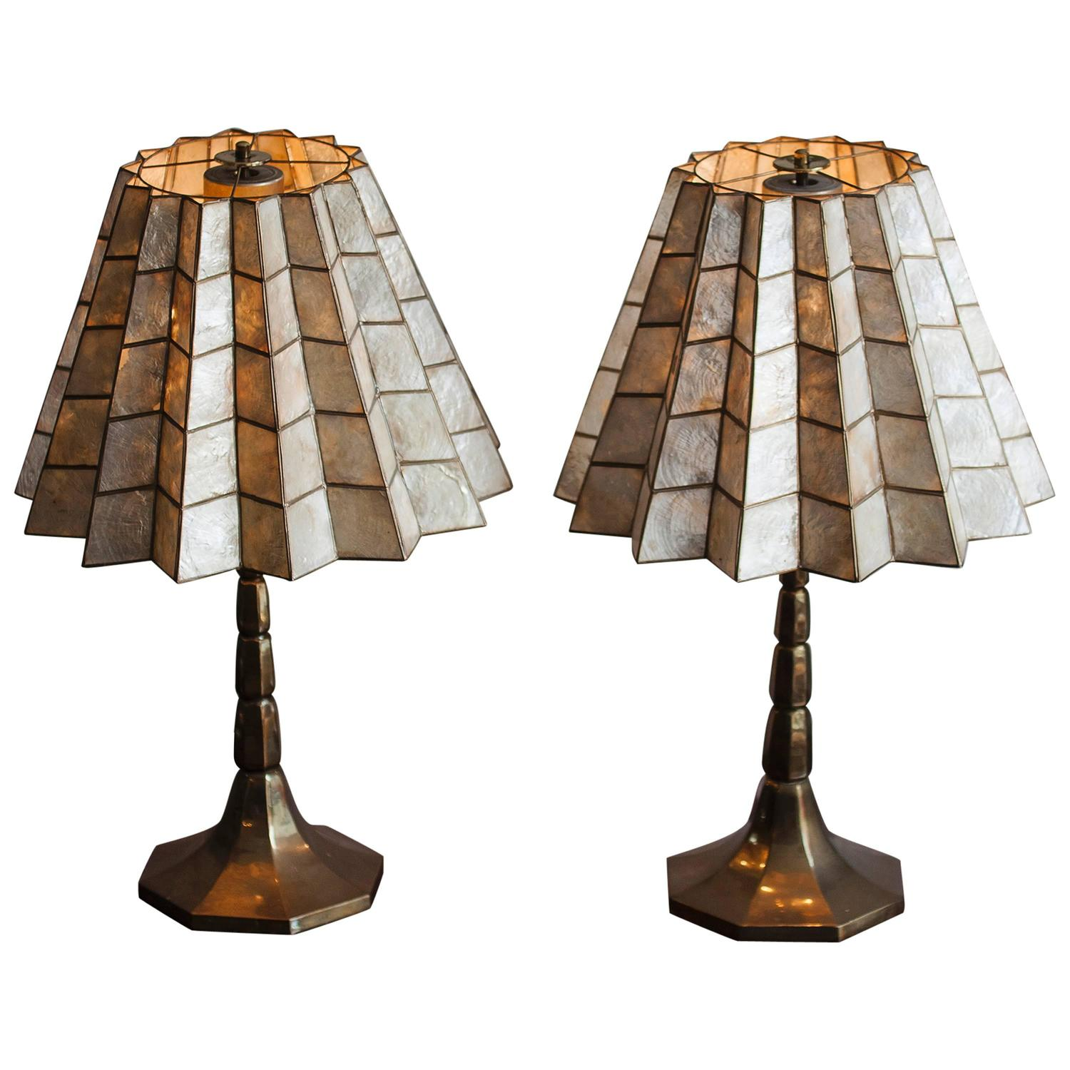 mother of pearl table lamps italy 1973 at 1stdibs. Black Bedroom Furniture Sets. Home Design Ideas
