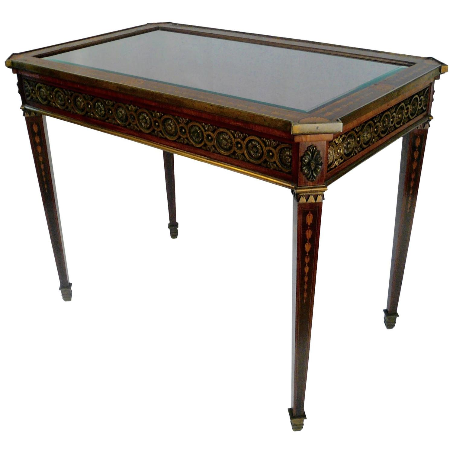BronzeMounted and Marquetry Adam Style Vitrine Table at 1stdibs -> Table Centrale Vitrine
