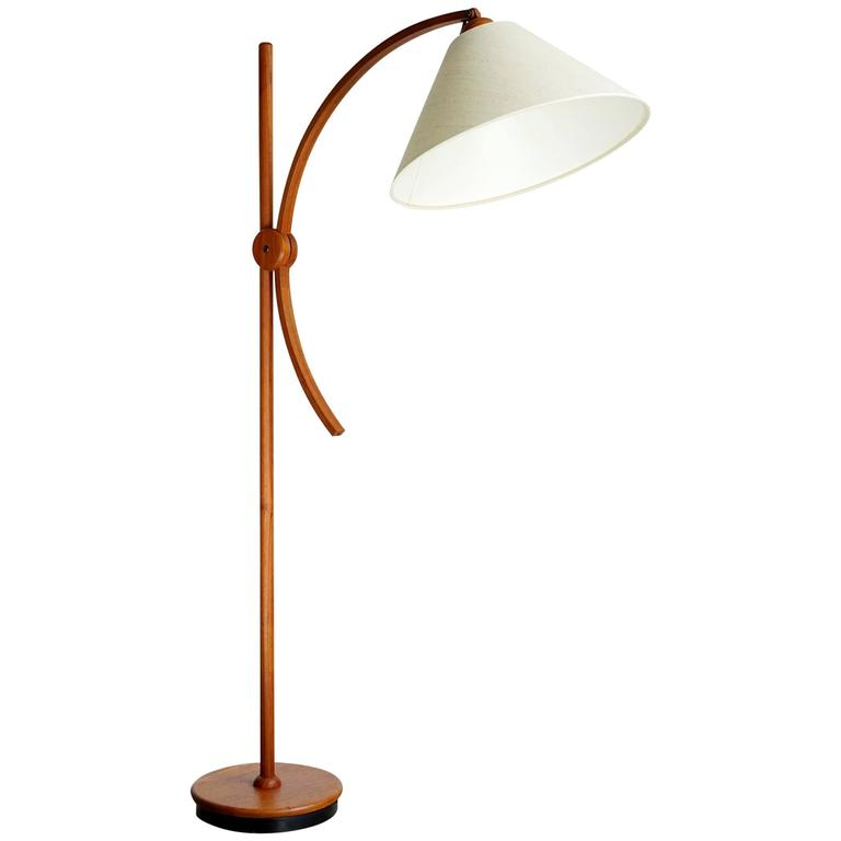 Articulated scandinavian floor lamp for sale at 1stdibs for Led articulated floor lamp