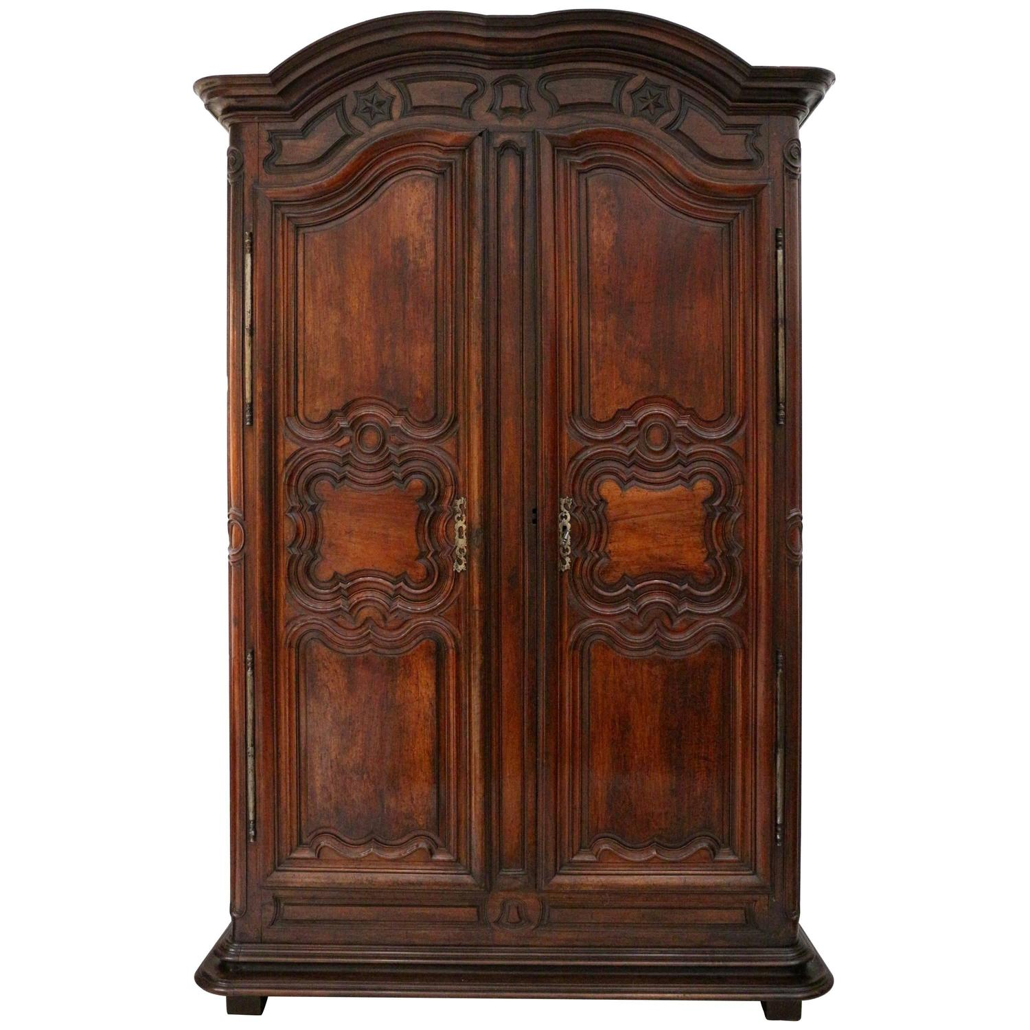 impressive french period louis xiv armoire in walnut for. Black Bedroom Furniture Sets. Home Design Ideas