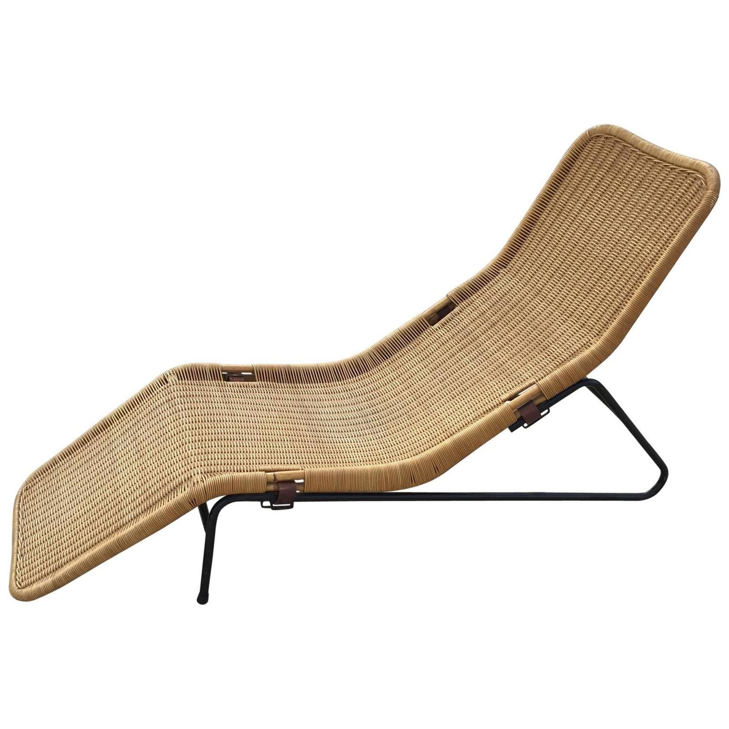 Dirk van sliedregt chaise longue in cane for sale at 1stdibs for Cane chaise longue