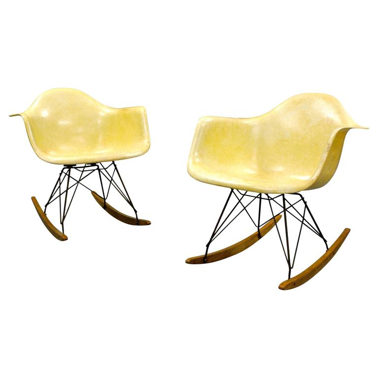 Pair of Early Rope Edge RAR Chairs by Charles and Ray Eames for Zenith Plastics