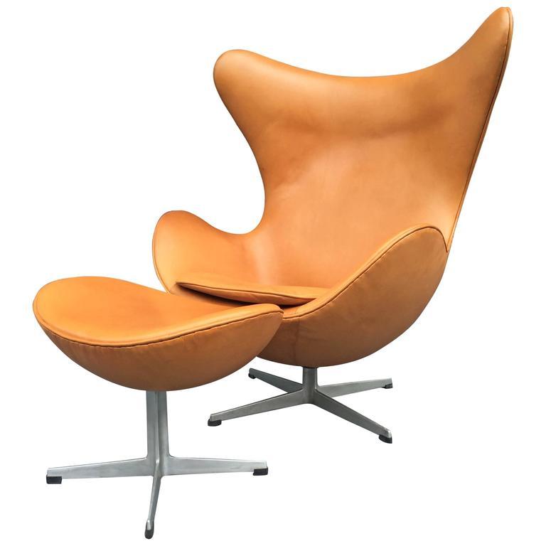 cognac leather egg chair by arne jacobsen for fritz hansen for sale at 1stdibs. Black Bedroom Furniture Sets. Home Design Ideas