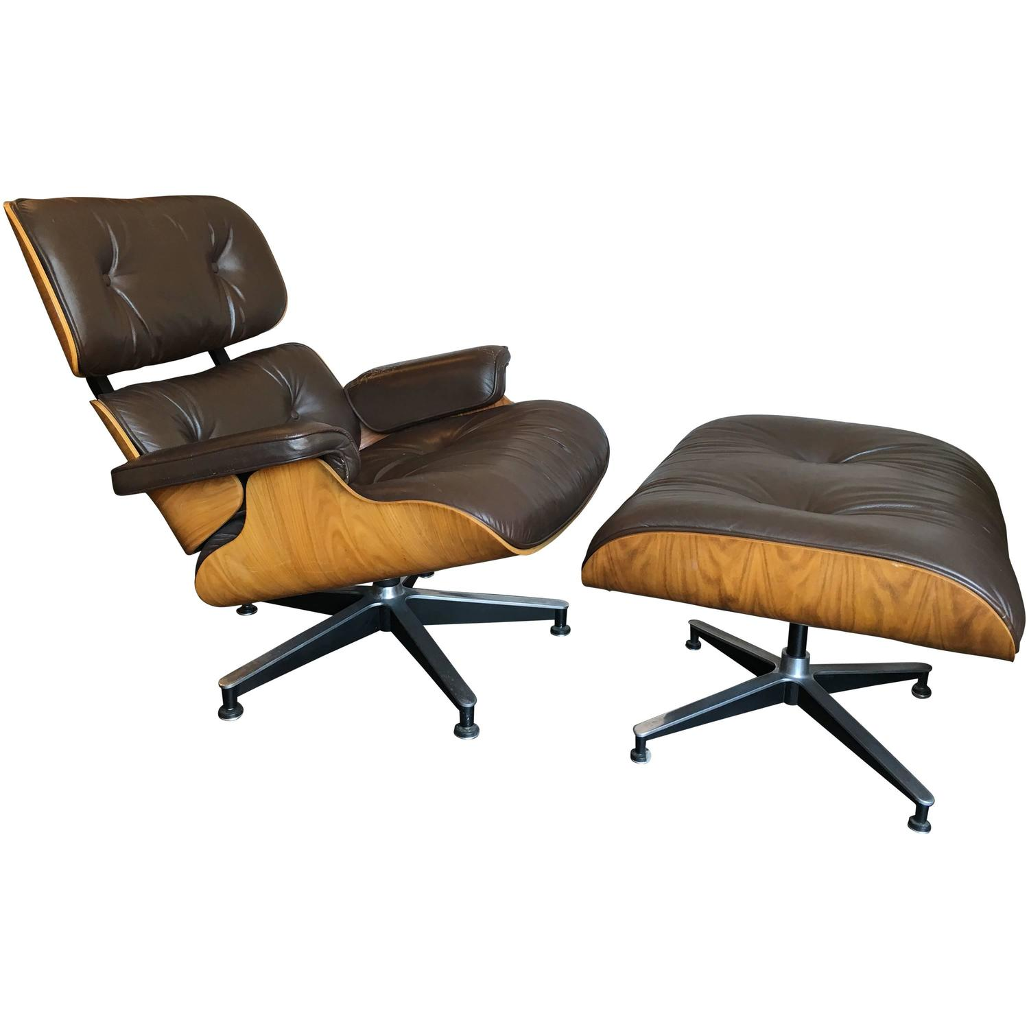 charles and ray eames lounge chair and ottoman by herman miller at 1stdibs. Black Bedroom Furniture Sets. Home Design Ideas