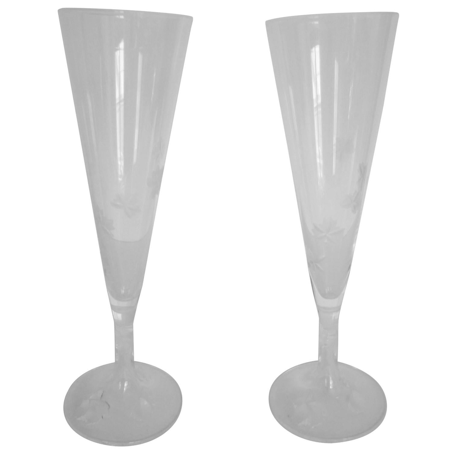 beautiful vintage pair of signed lalique champagne flute glasses  - beautiful vintage pair of signed lalique champagne flute glasses francefor sale at stdibs