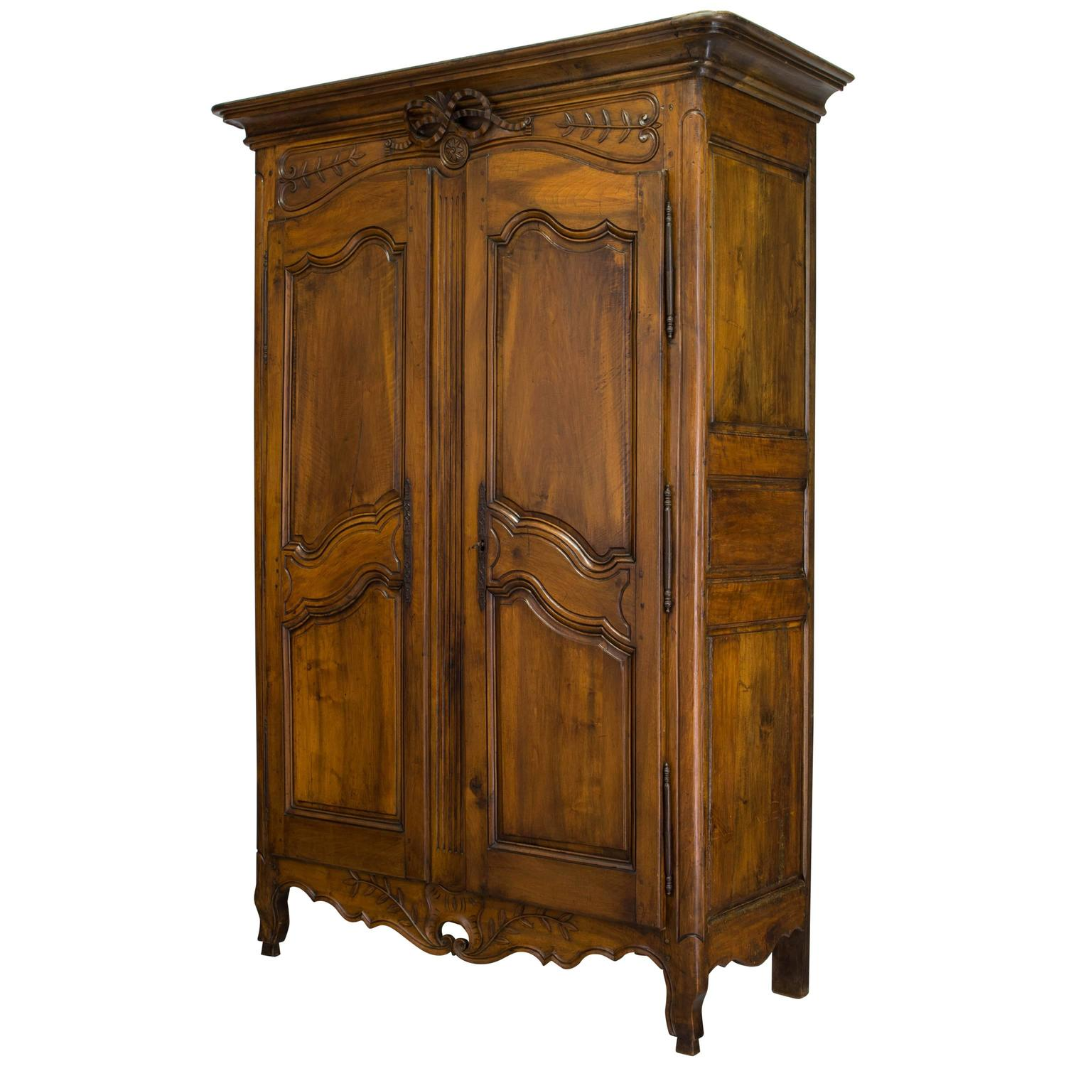 18th century louis xv provencal bridal armoire at 1stdibs. Black Bedroom Furniture Sets. Home Design Ideas