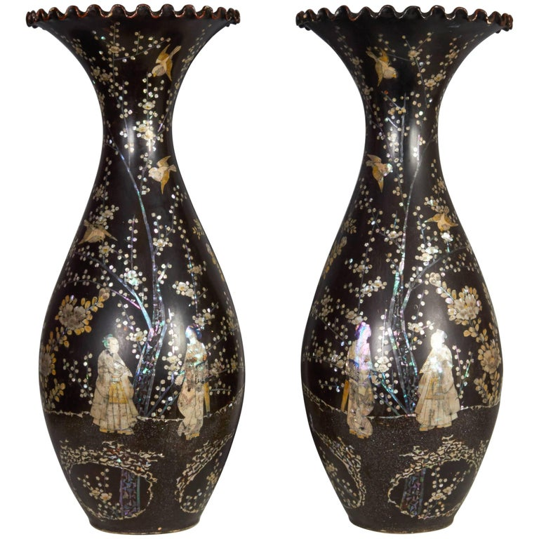 Japanese Vase Inlaid With Mother Of Pearl For Sale At 1stdibs