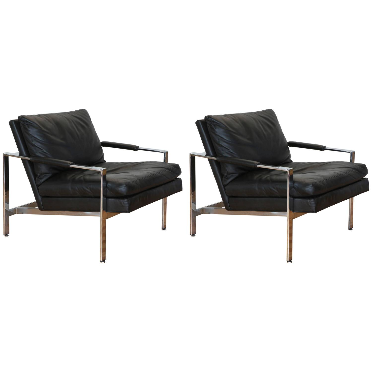 pair of black leather lounge chairs by milo baughman at 1stdibs