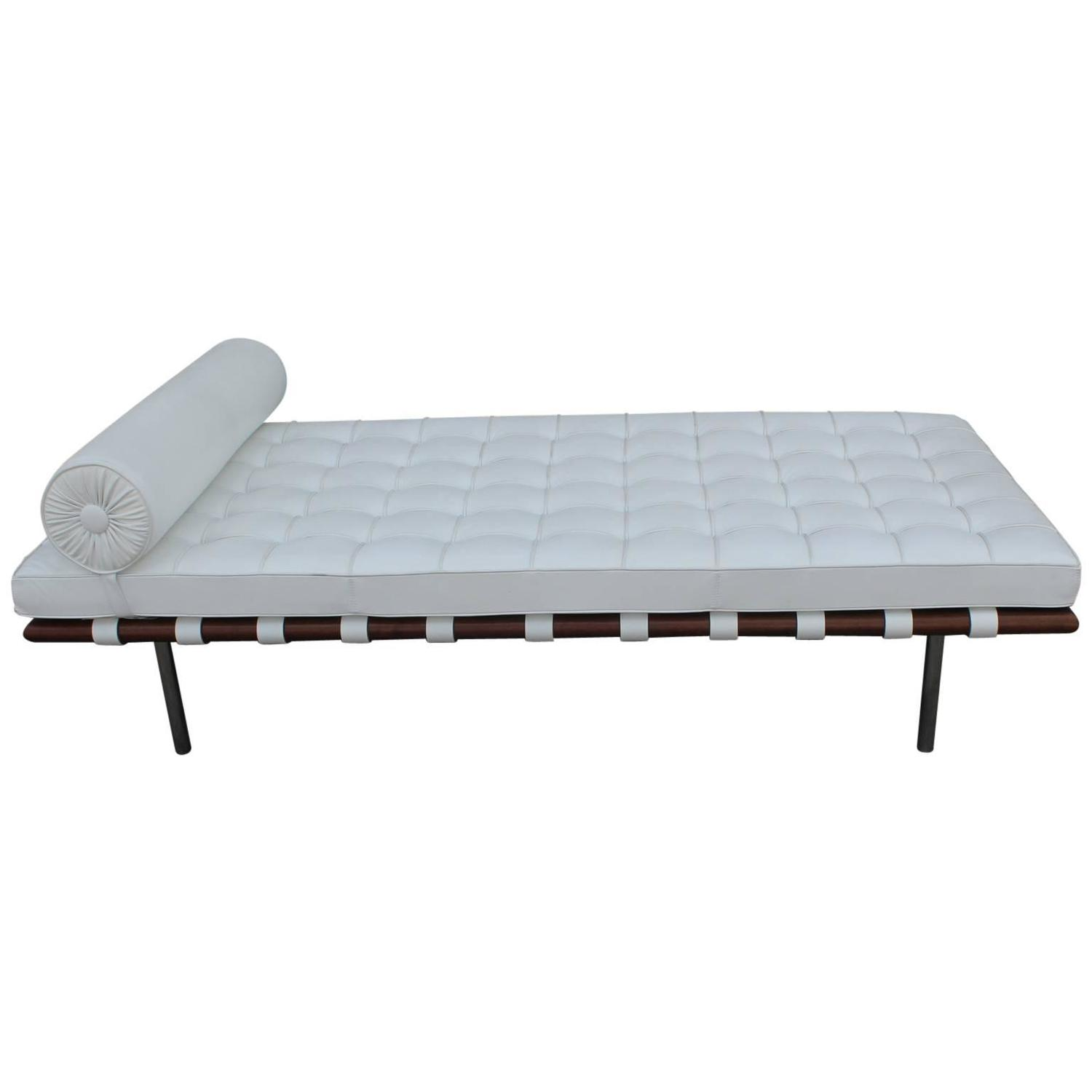 Barcelona Daybed by Mies van der Rohe in White Leather at 1stdibs