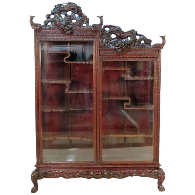 Antique Chinese Figural Carved Curio Cabinet For Sale - Antique Chinese Figural Carved Curio Cabinet At 1stdibs