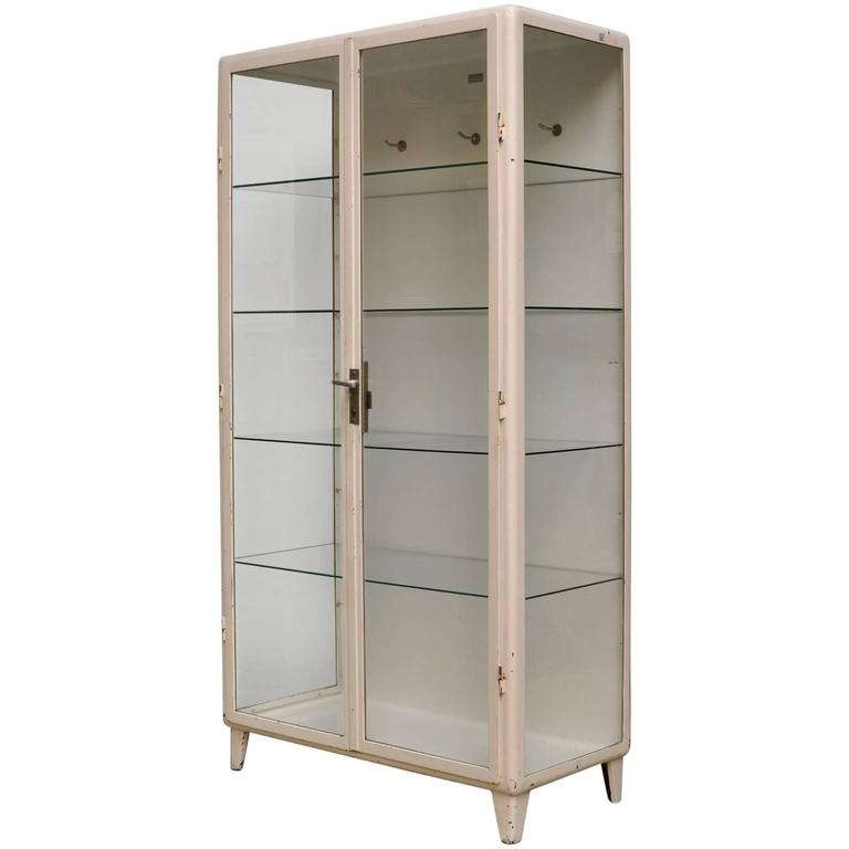 Ordinaire Vintage Medical Cabinet, 1950s For Sale