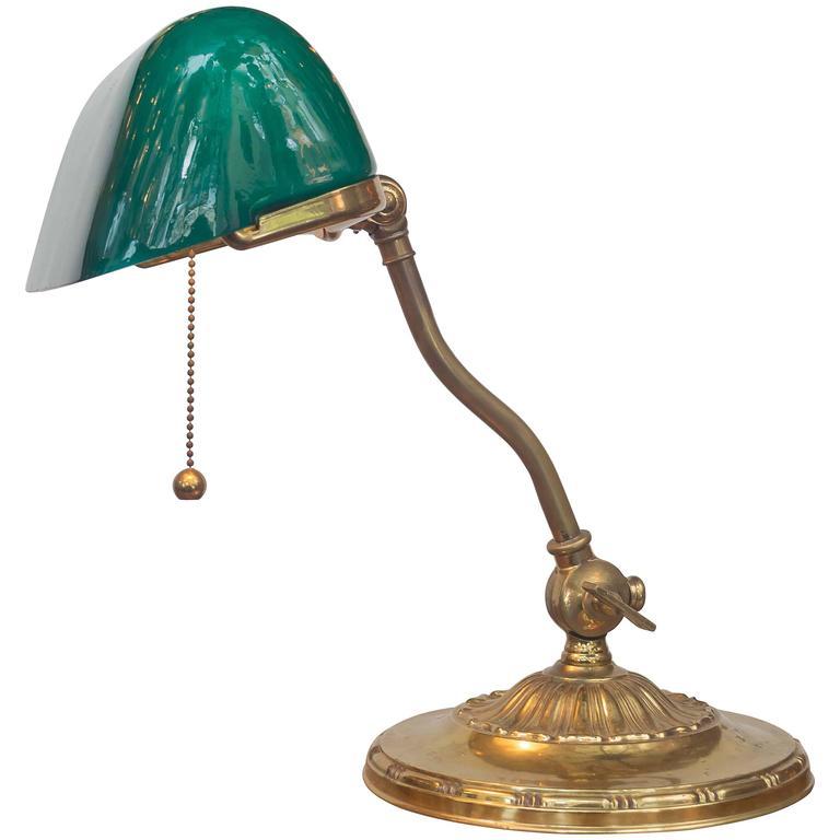 emeralite banker 39 s desk lamp at 1stdibs. Black Bedroom Furniture Sets. Home Design Ideas