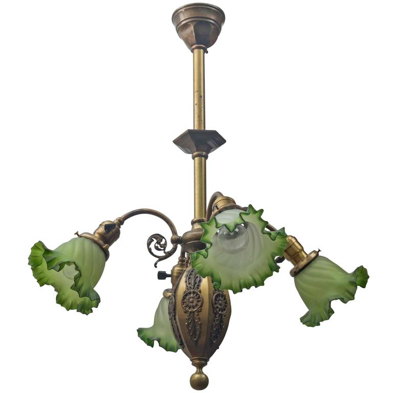Late Victorian Four Arm Chandelier With Green Ruffled