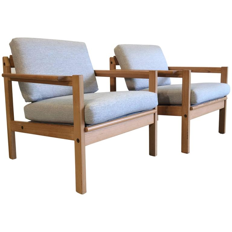 Merveilleux Two Pine Lounge Chairs Designed By Svein Bjørneng For Bruksbo For Sale