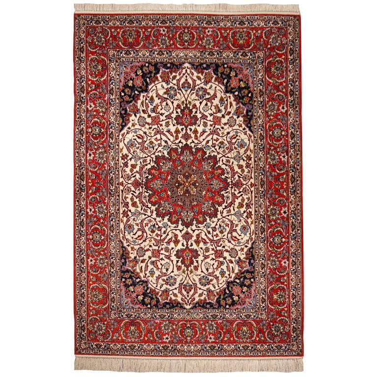 Fine Persian Rug Isfahan Kurkwool on Silk