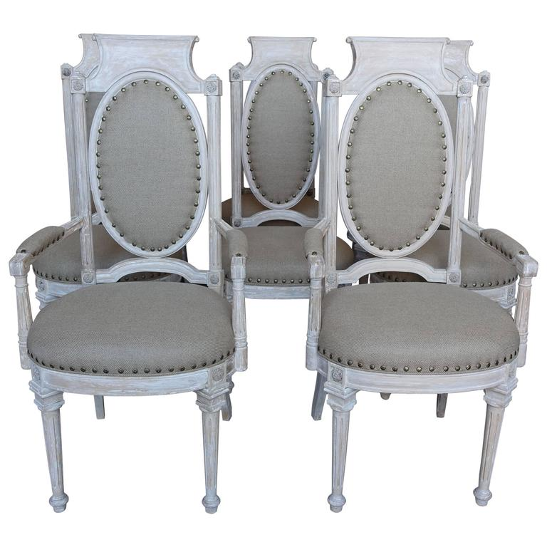 Set of Eight Italian Neoclassical Style Dining Chairs For Sale