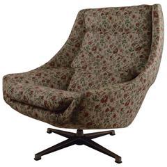 Mod Swivel Lounge Chair