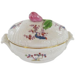 Antique English Caughley Porcelain Kakiemon Style Covered Sauce Tureen