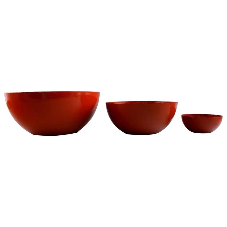 Kaj Franck, Finnish Designer Three Red Bowls in Enameled Metal, Finel, Finland