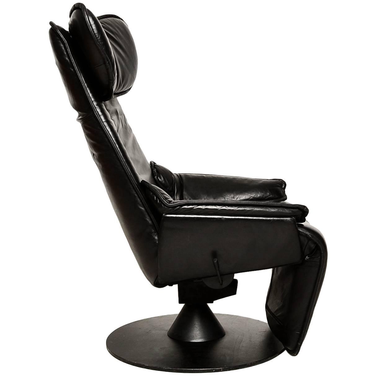 contura zero gravity recliner chair by modi hjellegjerde. Black Bedroom Furniture Sets. Home Design Ideas