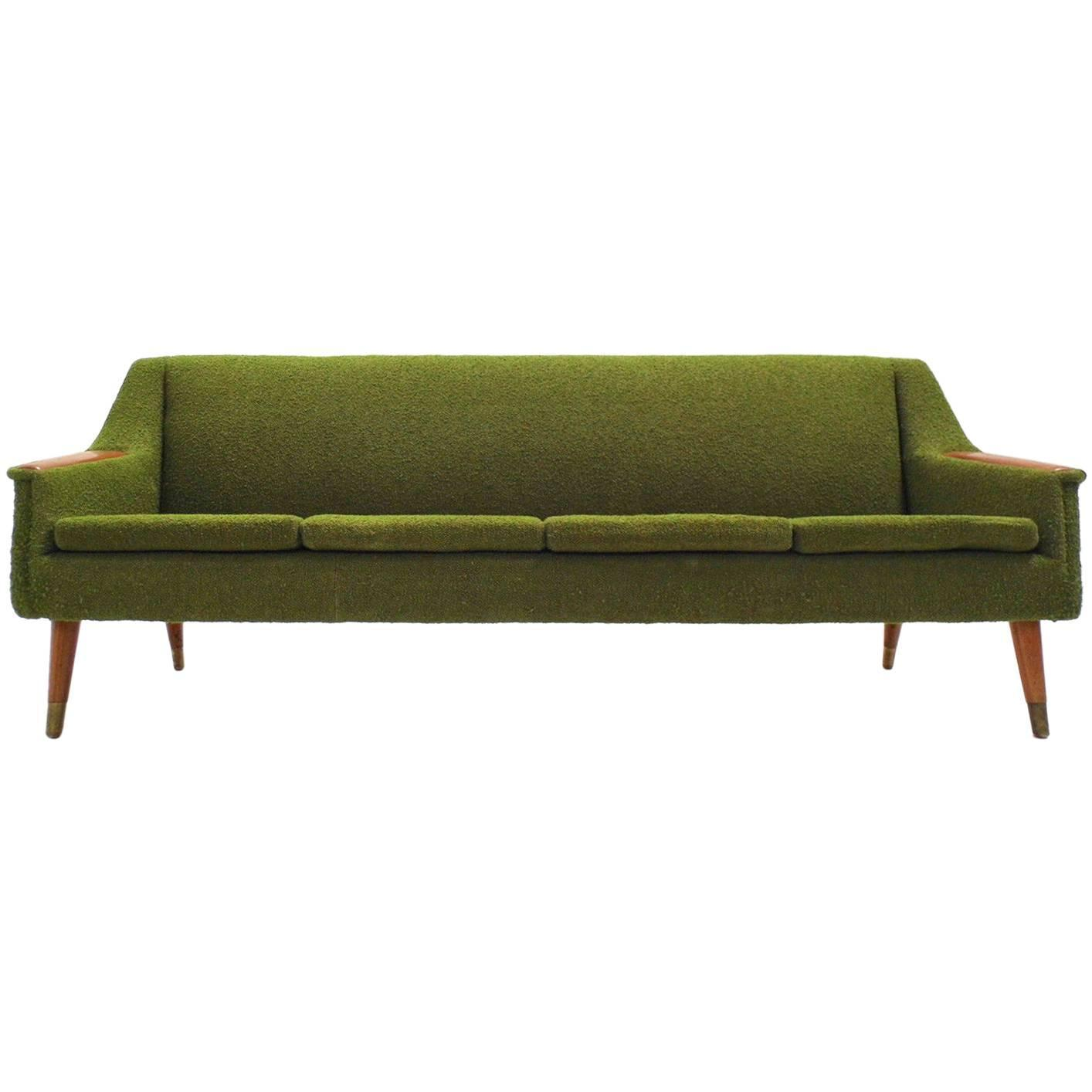 Sofá Clapton: Scandinavian Green Wool And Teak High Back Four-Seat Sofa