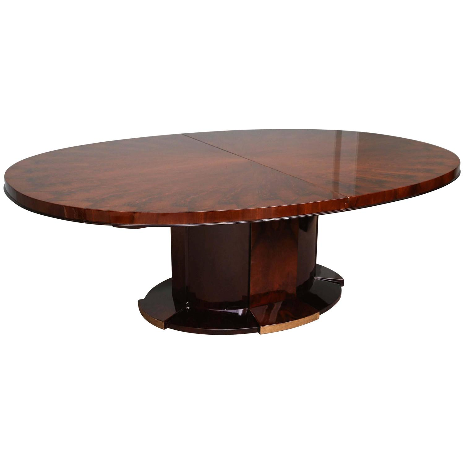 Art deco oval dining room table at 1stdibs for Oval dining room table