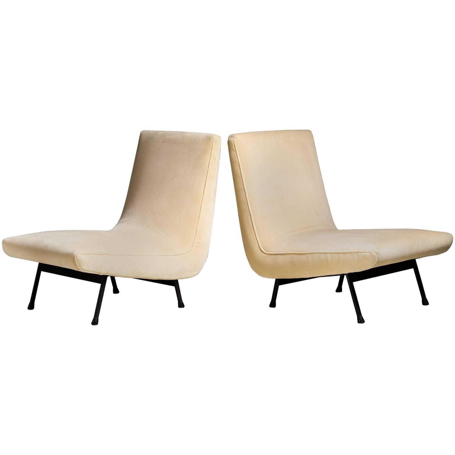 Picture of: Pair Of Cream White Slipper Chairs France 1950s For Sale At 1stdibs